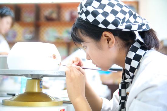 青海新东方烹饪学校-西点-前景